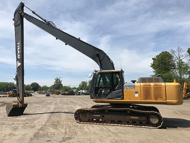 Deere 250G LC Long Reach